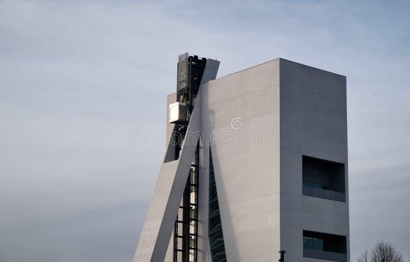 Milan, ITALIE EN FÉVRIER 2019 - bâtiment moderne de musée de Fondzione Prada image libre de droits