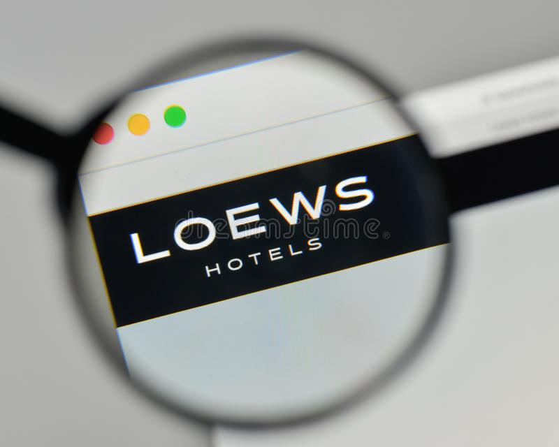 Milan, Italie - 1er novembre 2017 : Logo de Loews sur le homep de site Web photo stock