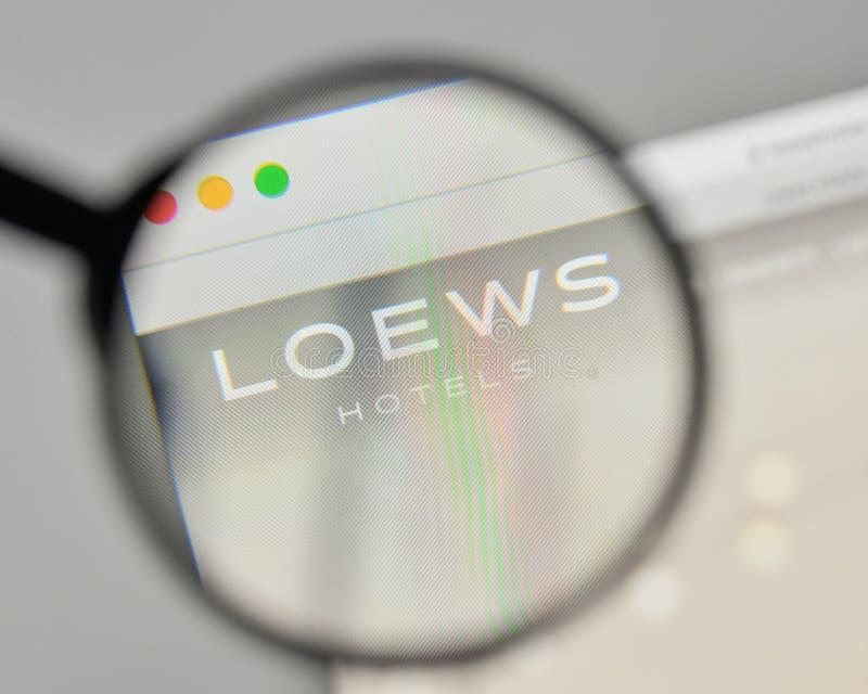 Milan, Italie - 1er novembre 2017 : Logo de Loews sur le homep de site Web images libres de droits