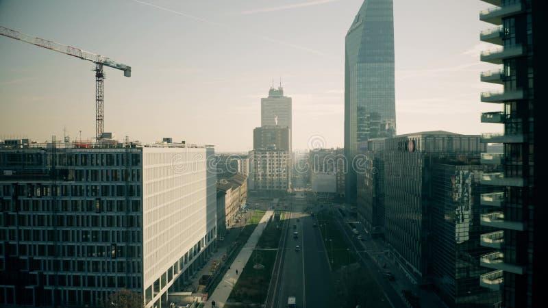 Milan, Italie - 5 janvier 2019 Vue aérienne des gratte-ciel de district des affaires de Liberazione de della de Viale image stock