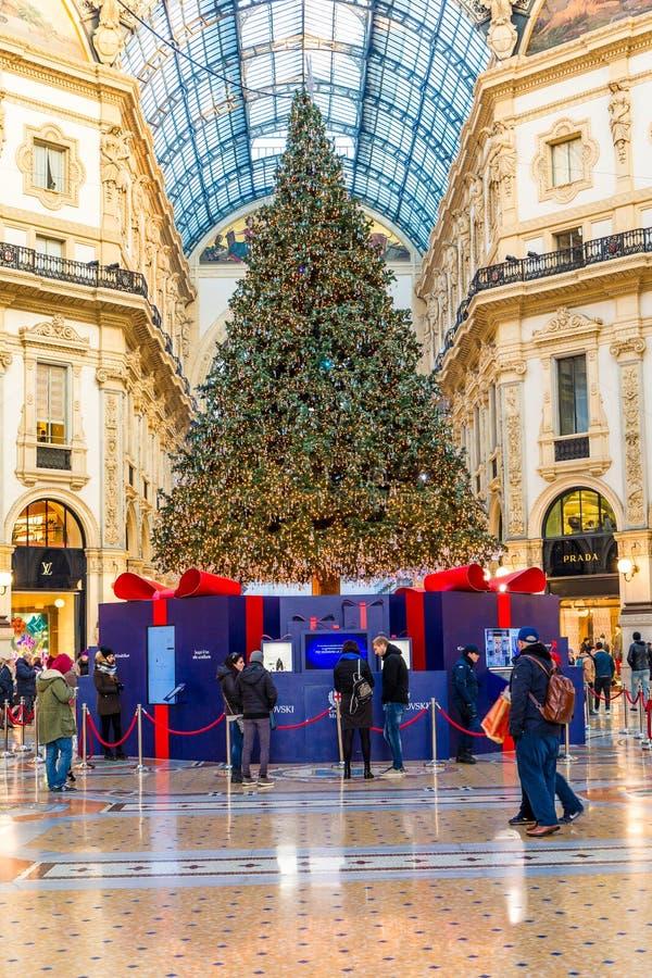 Milan, Italie le 20 décembre 2017 Duomo de place de Milan à Noël images libres de droits