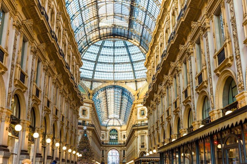 Milan, Italie le 20 décembre 2017 Duomo de place de Milan à Noël images stock