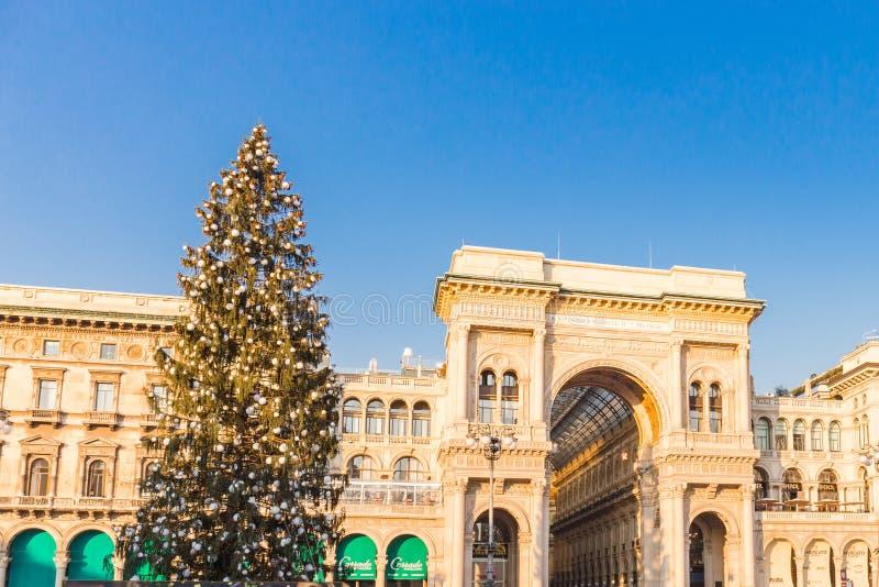 Milan, Italie le 20 décembre 2017 Duomo de place de Milan à Noël photo libre de droits