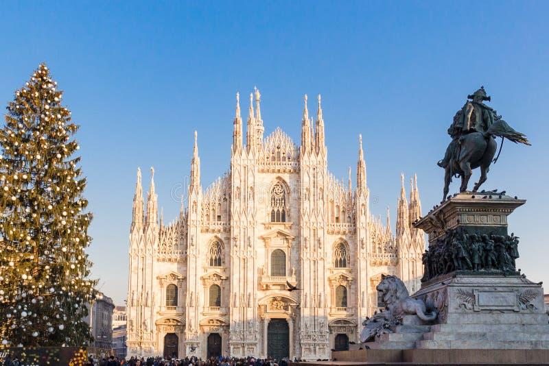 Milan, Italie le 20 décembre 2017 Duomo de place de Milan à Noël photographie stock libre de droits