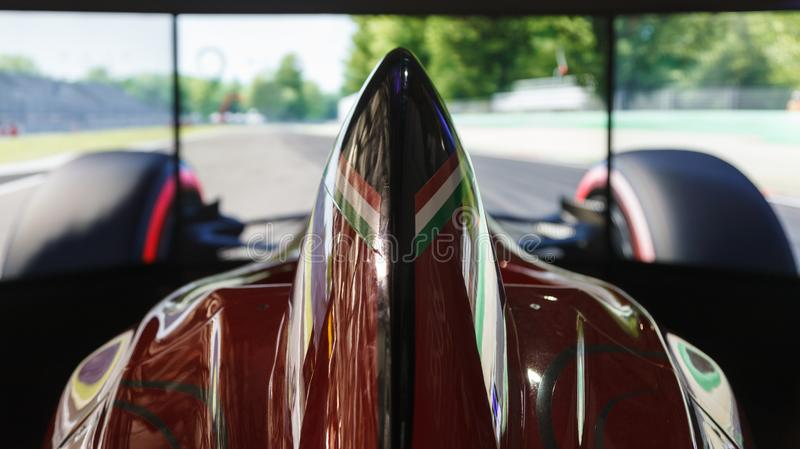Milan, ITALIE - OCTOBRE 2018 simulateur public de voiture de course sur Ferrari F1 à 2018 - semaine de jeux photo stock