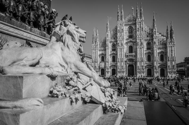 Milan Italien - mars 23, 2016: Piazza del Duomo arkivfoto