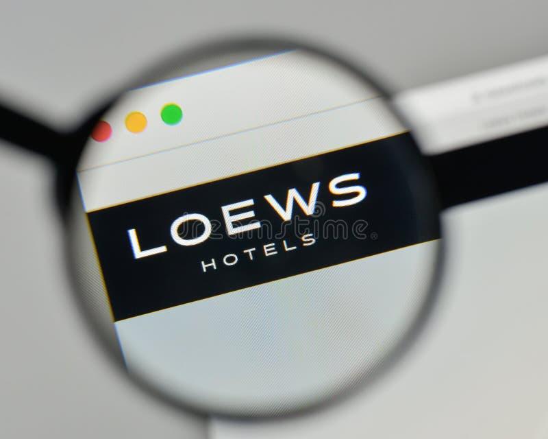 Milan Italien - November 1, 2017: Loews logo på websitehomepen arkivfoto