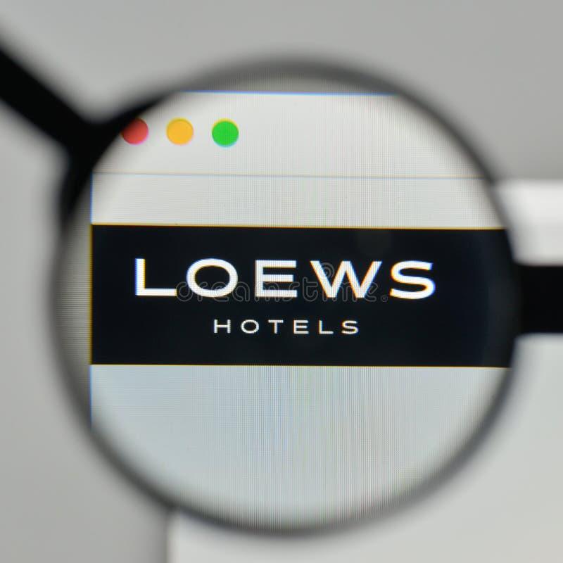 Milan Italien - November 1, 2017: Loews logo på websitehomepen arkivbilder