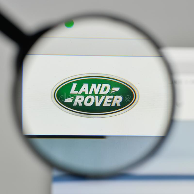 Milan Italy November 1 2017 Land Rover Logo On The Website