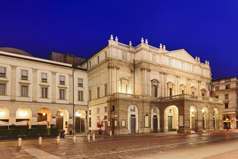 Milan La Scala Left Rise fotografia stock libera da diritti