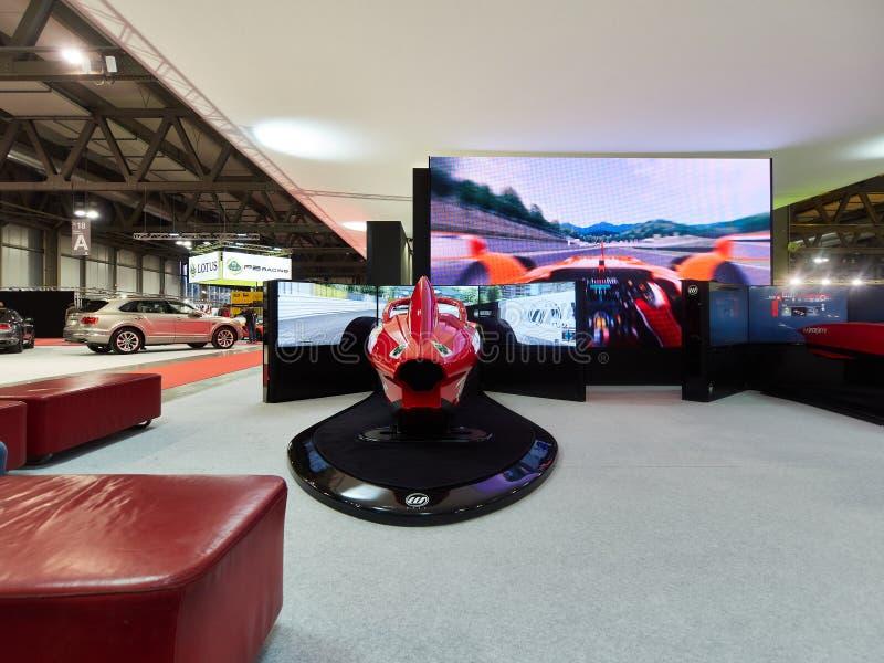Milan, Lombardie Italie - 23 novembre 2018 - installation de simulateurs de Museo Ferrari F1 à l'édition 2018 d'Autoclassica Mila photo libre de droits