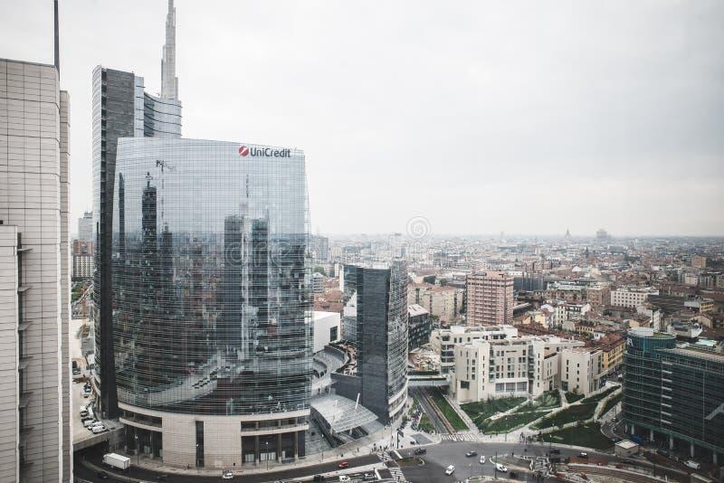 Milan View das torres de Garibaldi imagens de stock royalty free