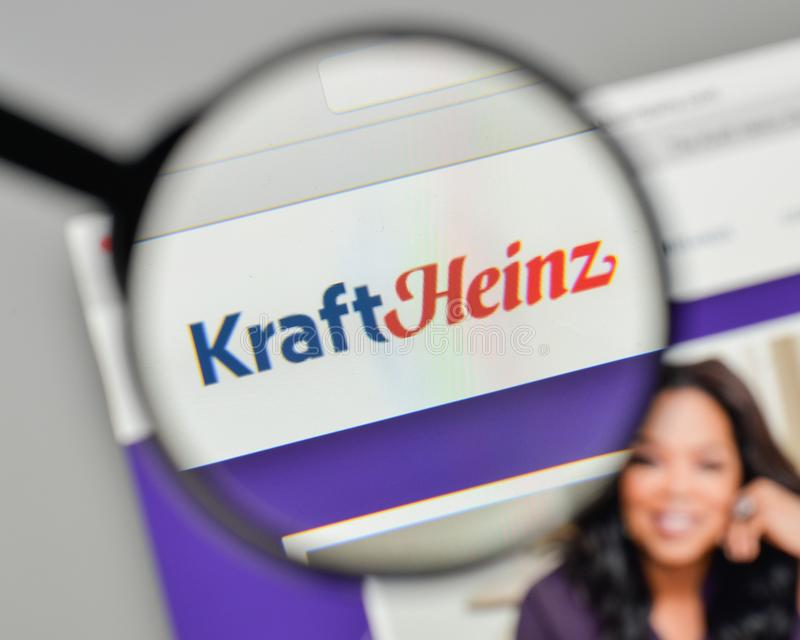 Milano, Italia - 1° novembre 2017: Logo di Kraft Heinz sul sito Web immagini stock
