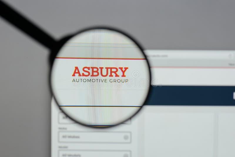 Milano, Italia - 10 agosto 2017: Logo automobilistico del gruppo di Asbury sopra immagini stock libere da diritti