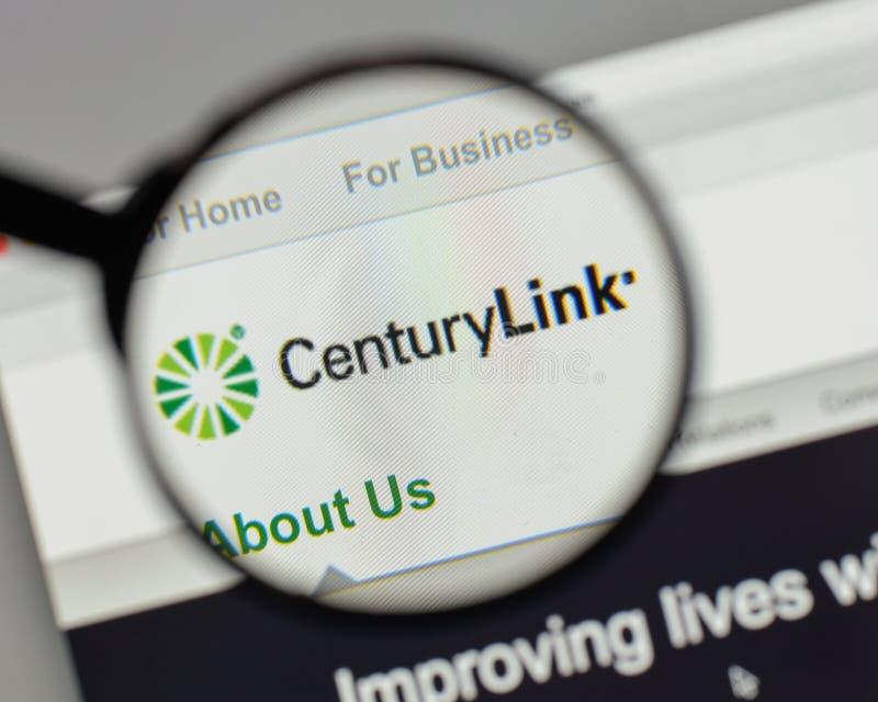 Milano, Italia - 10 agosto 2017: Logo di collegamento di secolo sul sito Web fotografia stock libera da diritti