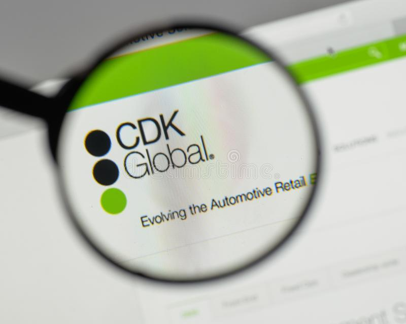 Milano, Italia - 10 agosto 2017: Logo globale di CDK sul sito Web h fotografia stock libera da diritti