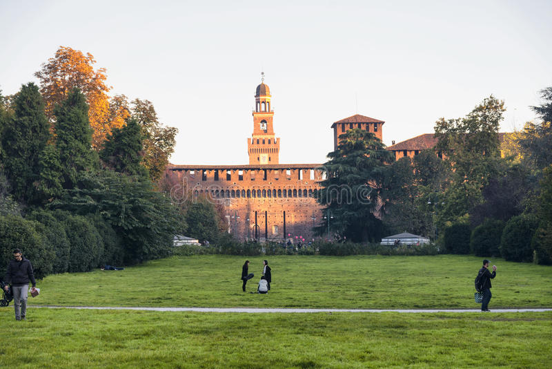 Milano (Italia) alla caduta fotografia stock