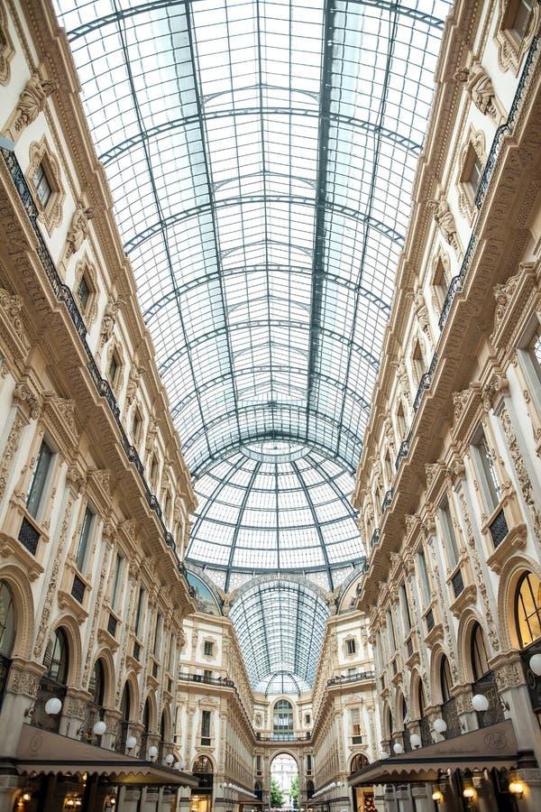 MILANO, ITALIA - 8 GIUGNO 2016: Vista della galleria Vittorio Emanuele immagini stock libere da diritti