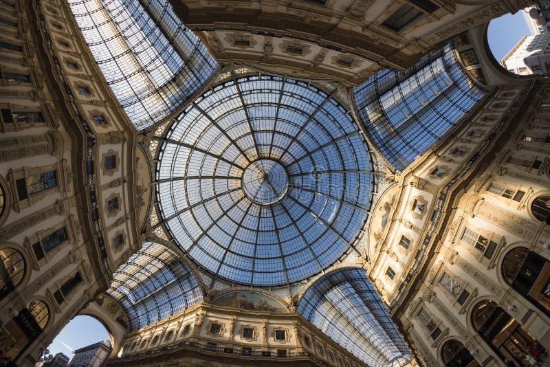 Milano (Italia): la galleria fotografia stock