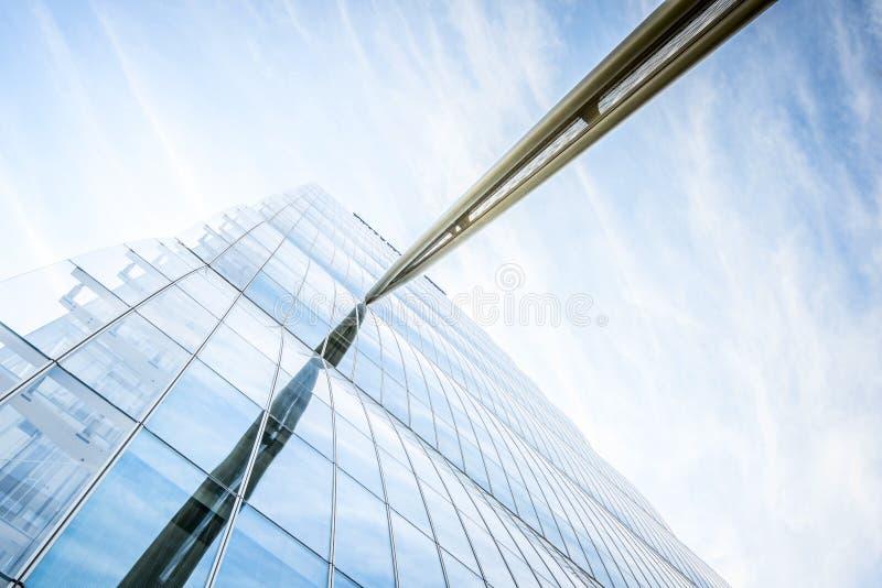 MILANO, ITALIA - 4 MAGGIO 2016: CityLife Milan Allianz Tower progettato dagli architetti Arata Isozaki fotografia stock