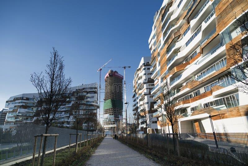 MILANO, ITALIA - 1° MARZO 2016: Citylife: costruzioni moderne a Milano fotografia stock