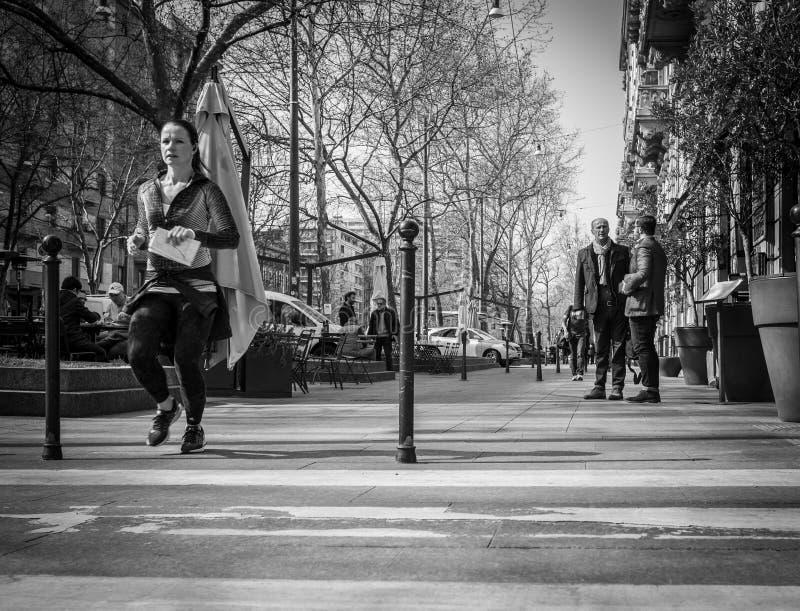 Milano, Italia - 23 marzo 2016: Giovane pareggiare femminile dal ital immagini stock libere da diritti