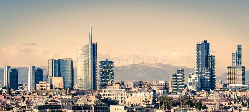 Milano Italien, horisont fotografering för bildbyråer