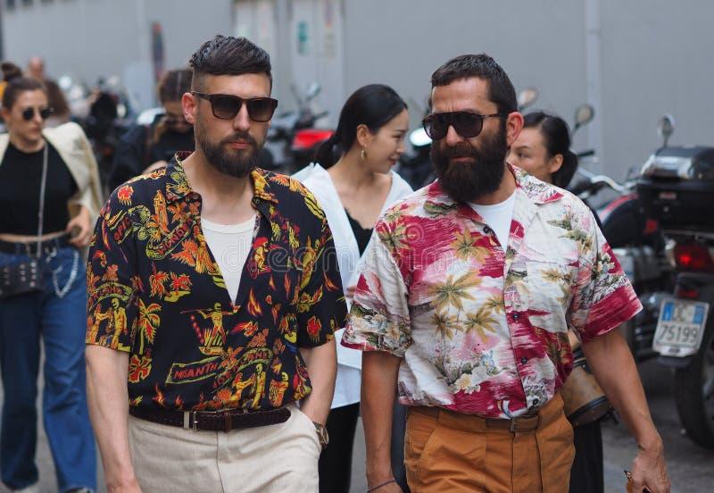 MILANO Italien: 16 Juni 2019: Dräkt för stil för modebloggergata fotografering för bildbyråer