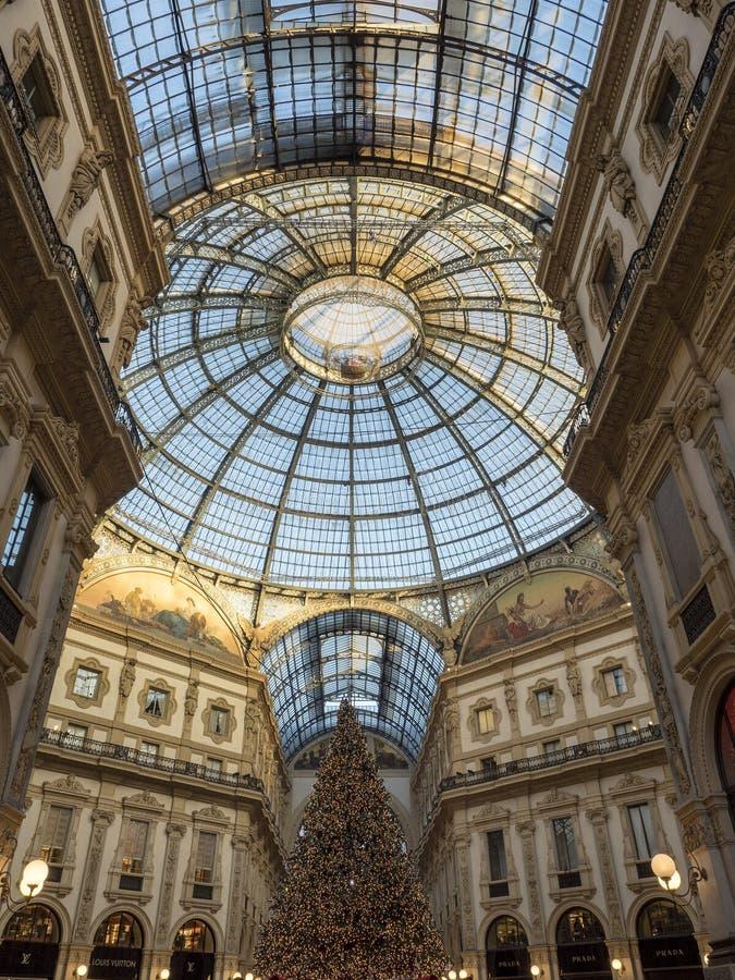 Milano: la galleria fotografia stock