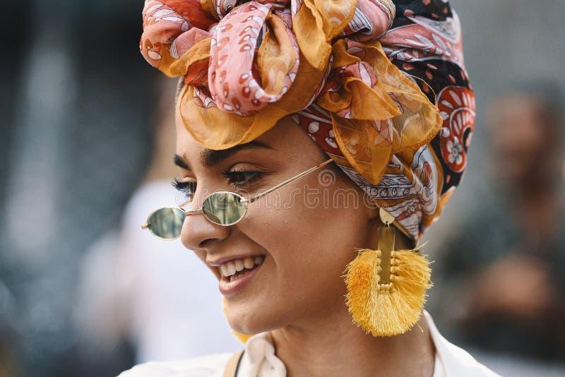Milano modevecka - gatastil MFWSS19 royaltyfria bilder