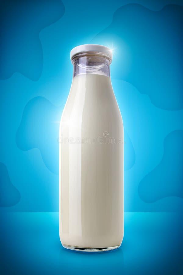 Milch-Flasche lizenzfreie stockfotos