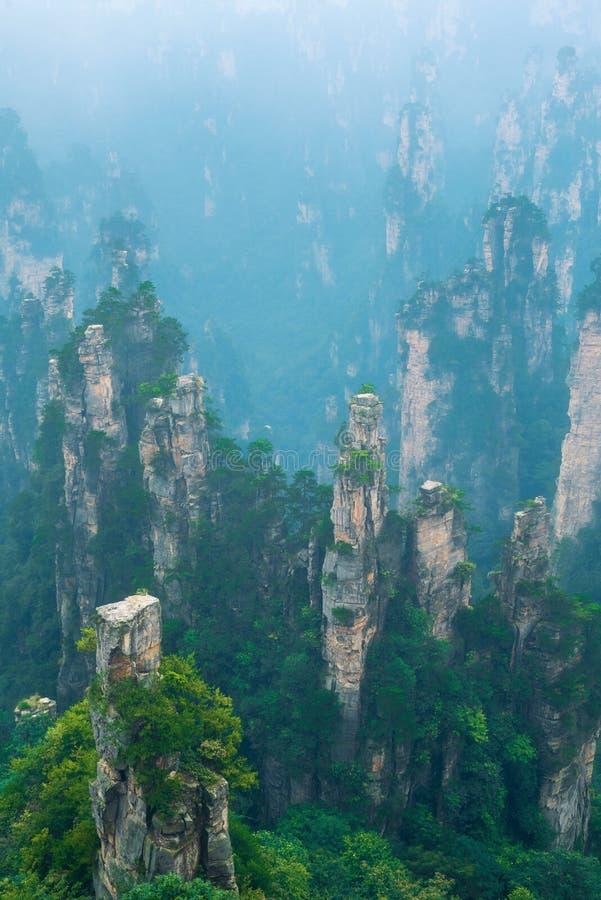 Milchstraße über einem Berg in Italien lizenzfreie stockfotografie