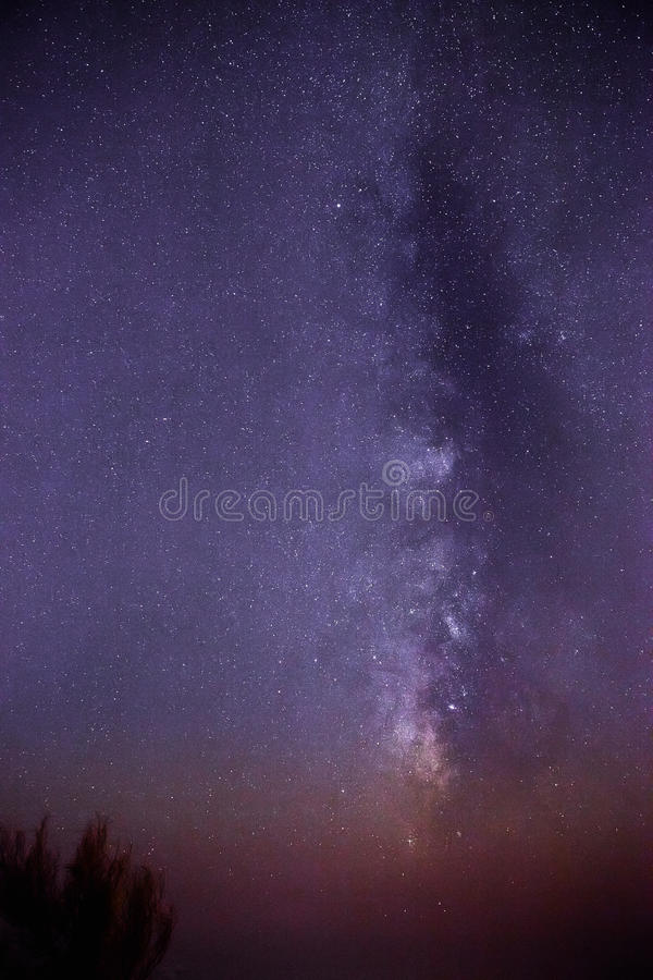 Milchstraße über Filfla stockbilder