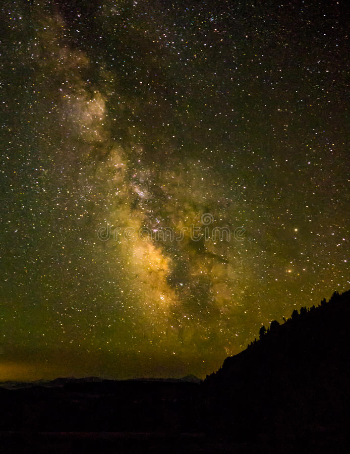Milchstraße und Sterne lizenzfreie stockfotos