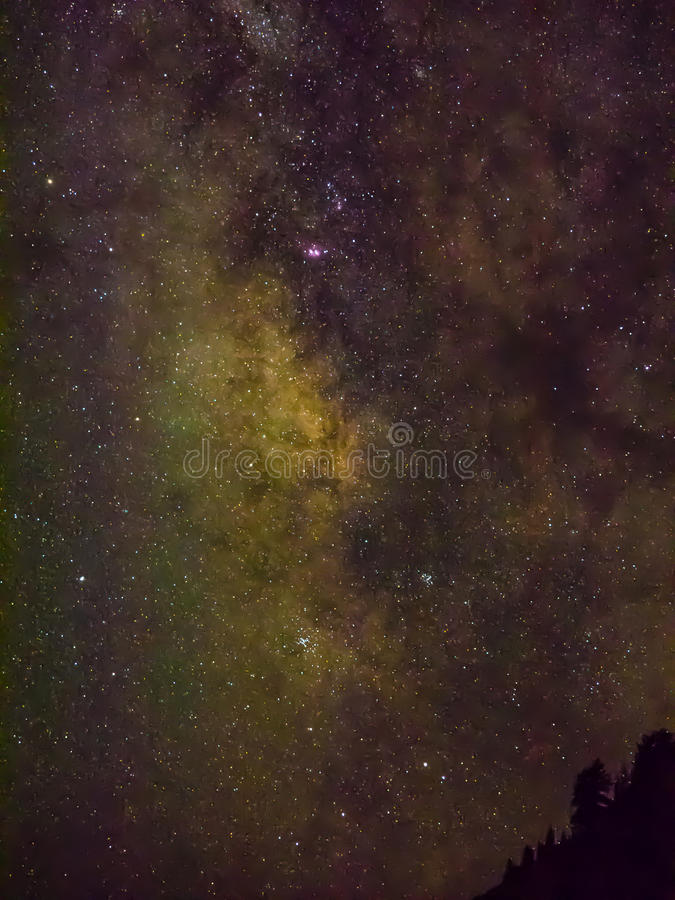 Milchstraße und Sterne lizenzfreies stockbild