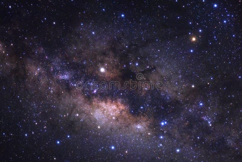 Milchstraßegalaxie mit Sternen und Raum wischen im Universum ab stockbild