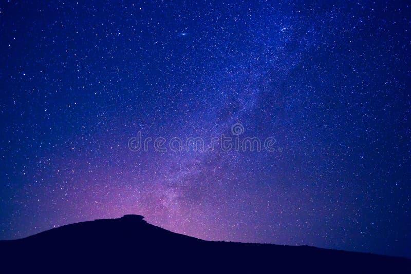 Milchstraßesterne nachts lizenzfreies stockfoto