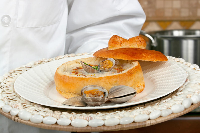 Milczek gęstej zupy rybnej polewka obraz royalty free