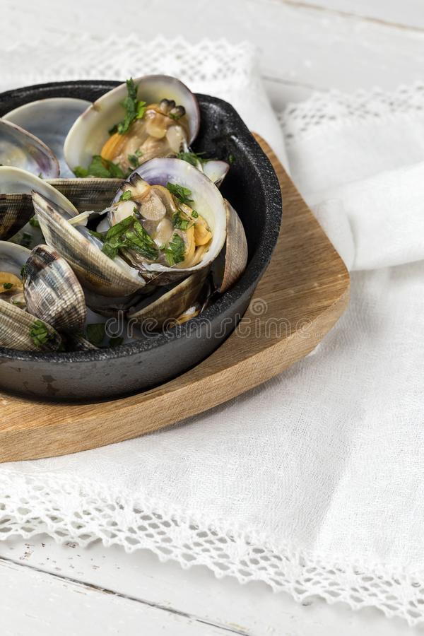 Download Milczka Gulasz W Białego Wina Kumberlandzie Obraz Stock - Obraz złożonej z ziele, gastronomy: 106912141