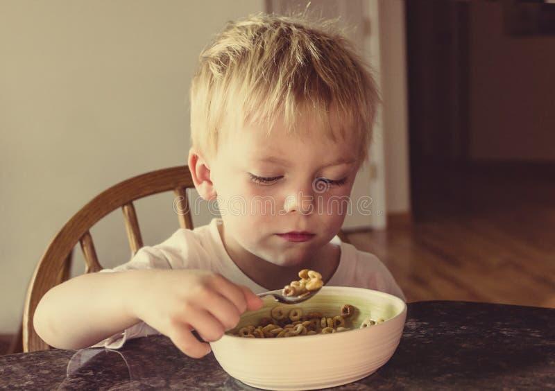 Mildes und langweiliges Frühstück lizenzfreie stockbilder