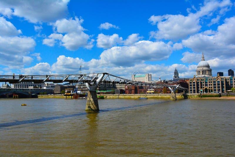 Download Milenium St Paul I Mosta Katedra, Londyn, Zjednoczone Królestwo Zdjęcie Editorial - Obraz złożonej z city, belfast: 53783046