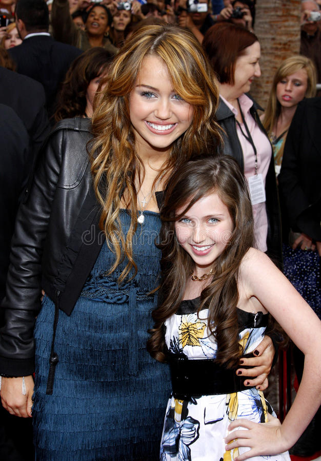 Miley Cyrus en Ryan Newman royalty-vrije stock afbeelding
