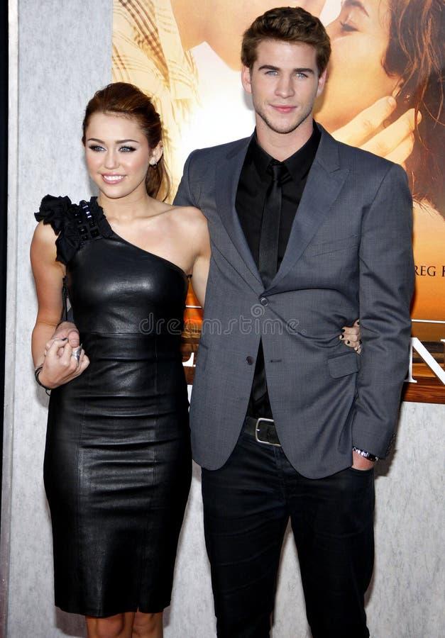Miley Cyrus och Liam Hemsworth arkivbild