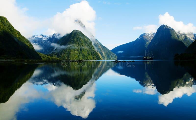 Milford dźwięk, Fiordland, Nowa Zelandia obraz stock