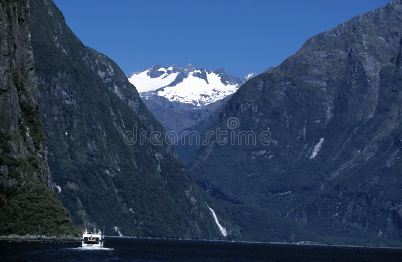 milford nya sound zealand royaltyfria foton
