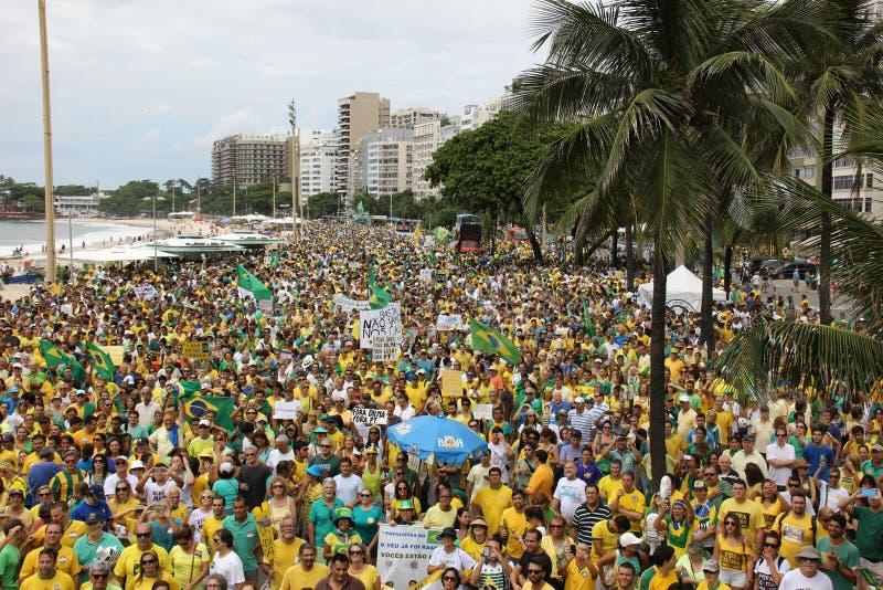 Milhões de brasileiros chamam para a destituição de Dilma Rousseff foto de stock royalty free