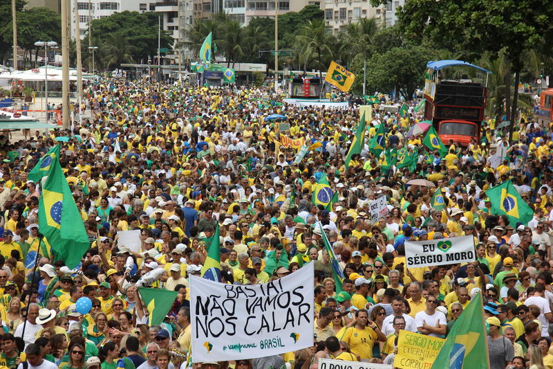 Milhões de brasileiros chamam para a destituição de Dilma Rousseff fotos de stock royalty free