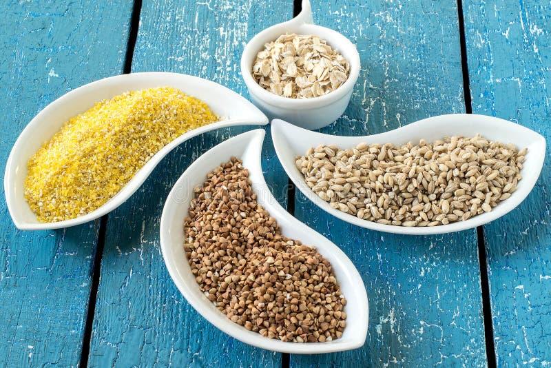 Milho, trigo mourisco, cevada, farinha de aveia fotos de stock royalty free
