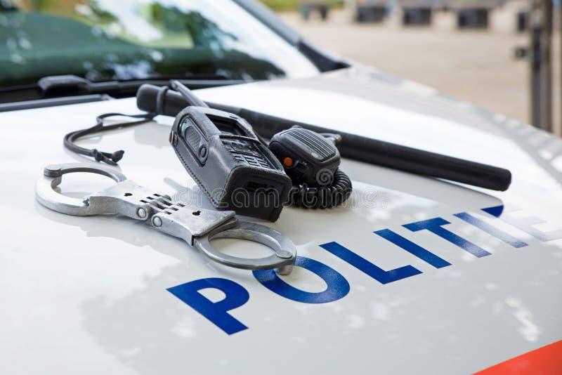 Milicyjny wyposażenie na holenderskim samochodzie policyjnym obraz stock