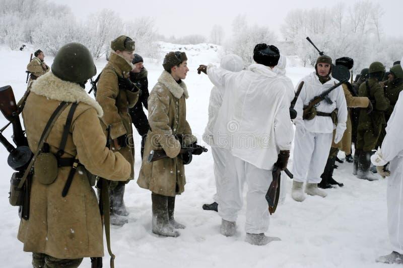 Militär-historische Rekonstruktion 'der Durchbruch der Blockade von Leningrad im Bereich des Nevskaya Dubrovka 'war gehaltenes i stockbild
